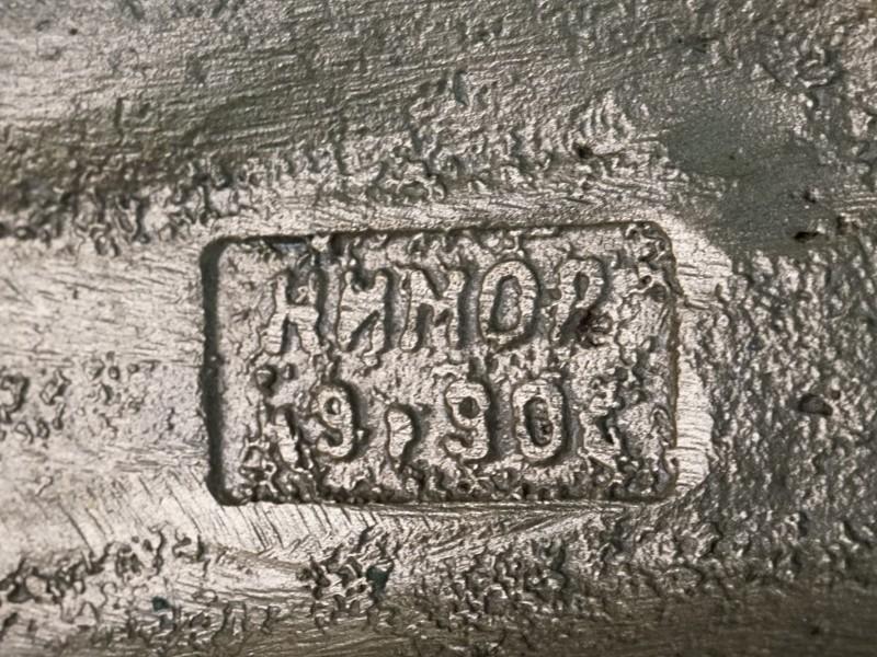 Скульптура «Космос. Через тернии к звездам», бронза, 1970-е годы, высота 25см