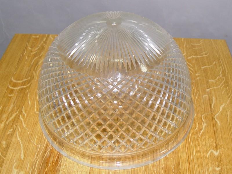 Плафон бесцветное стекло, огранка, начало ХХ века, 18 × 30см