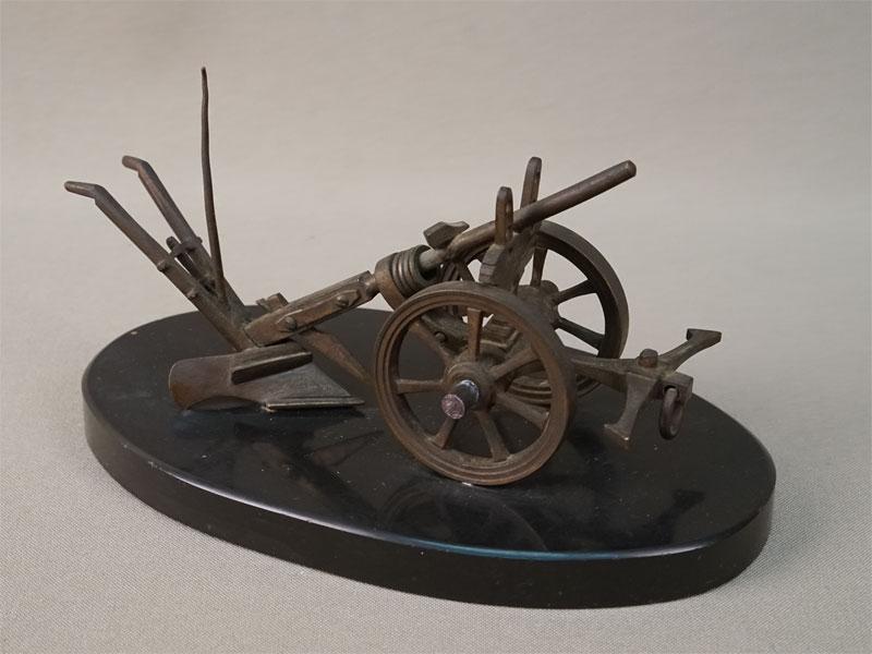 Пресс для бумаг «Плуг», бронза, камень, длина 16,5см. Франция, конец XIX – начало XX века