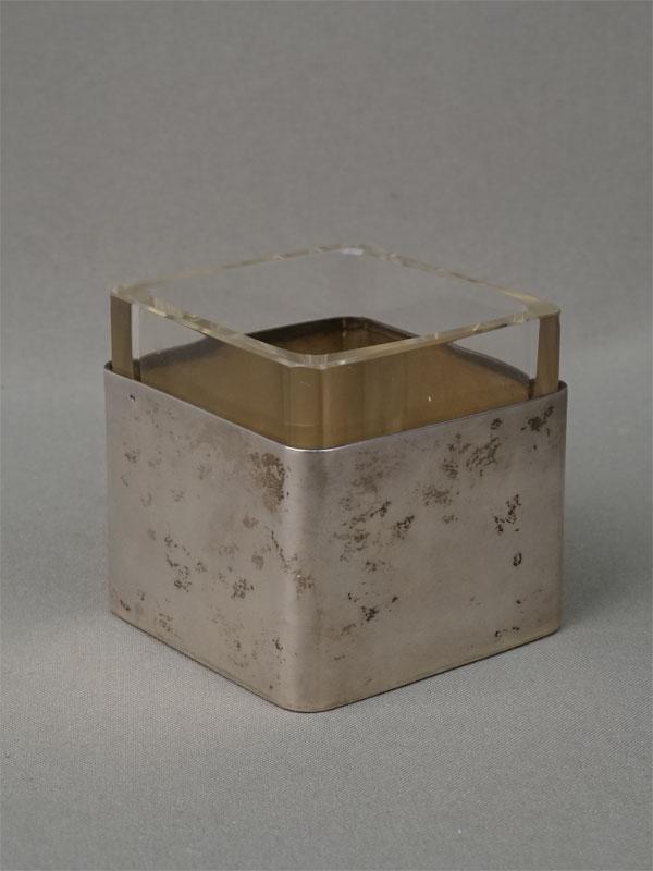 Вазочка, серебро 800 пробы по реактиву, стекло, общий вес 89,2г., высота 6,3см