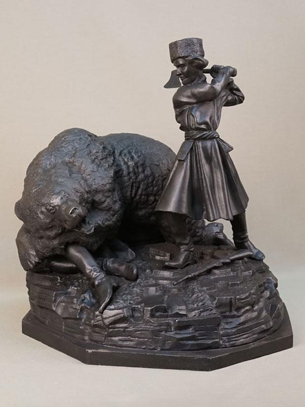 Скульптура «Охота на медведя», чугун, литье, покраска. Касли, работа Н. Либериха, 1949 год, высота 38,5см