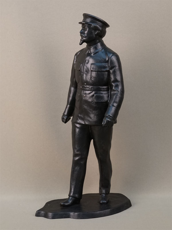 Скульптура «Л. Троцкий», чугун, литье, покраска. Касли, формовщик С. Халдин, высота 38см