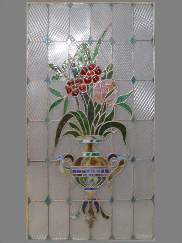 Витраж «Цветы в вазе», цветное стекло, ХХ век, 124 × 66см
