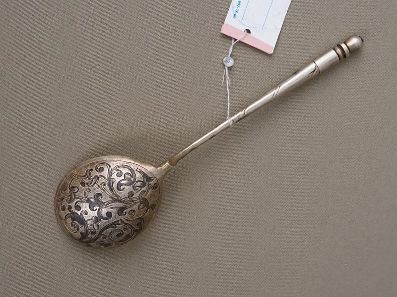 Ложка для компота, серебро 84 пробы, чернь, общий вес 42,57г. Москва, 1863 год