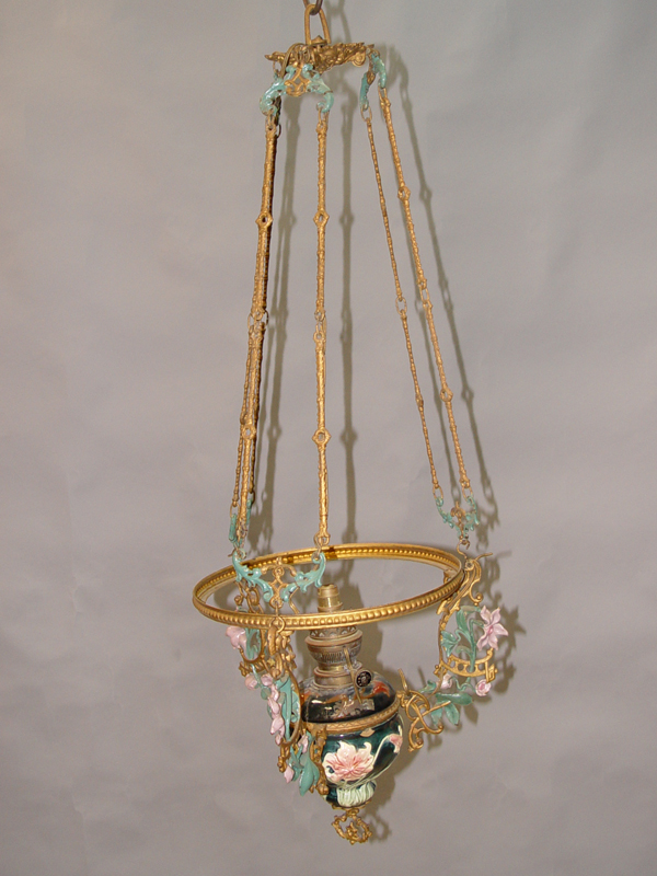 Люстра керосиновая в стиле модерн, чугун, фаянс, начало ХХ века, 1 световая точка, требует реставрации, проводка неисправна. 102 × 36см