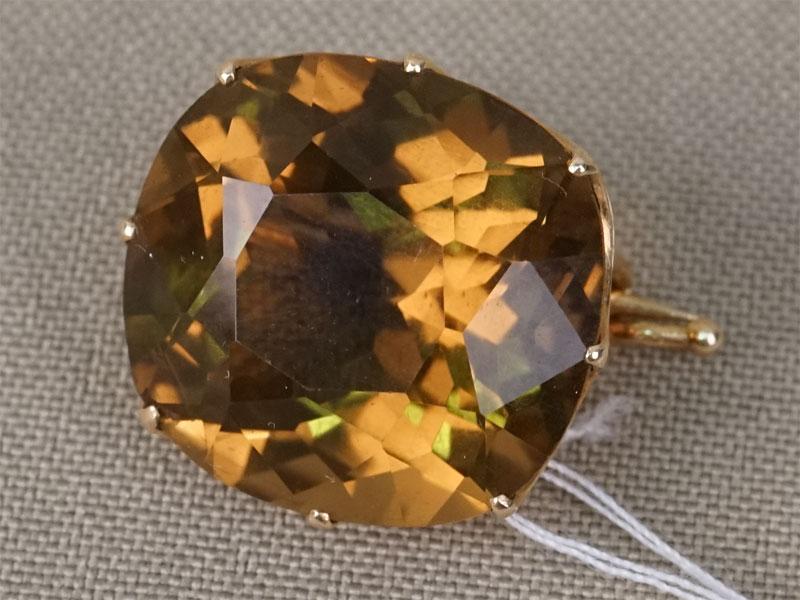 Брошь, золото по реактиву, вставка: раухтопаз (кварц), общий вес 6,51г.