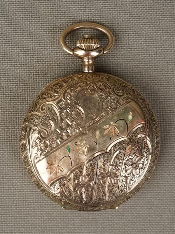 Часы карманные дамские, золото по реактиву (56 пробы, 14К), эмаль (утраты), общий вес 28,22г.