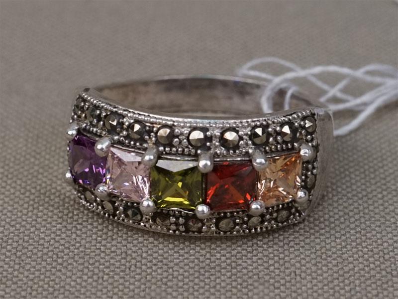 Кольцо, серебро 925 пробы, цветные фианиты, общий вес 4,11г.