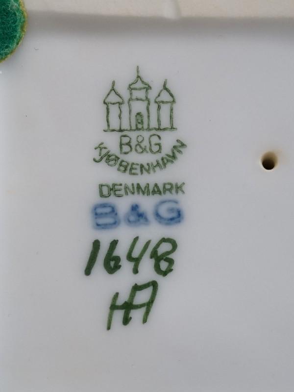 Скульптура «Два брата», фарфор, роспись подглазурная. Копенгаген, B&G, 1950-е годы, высота 20см