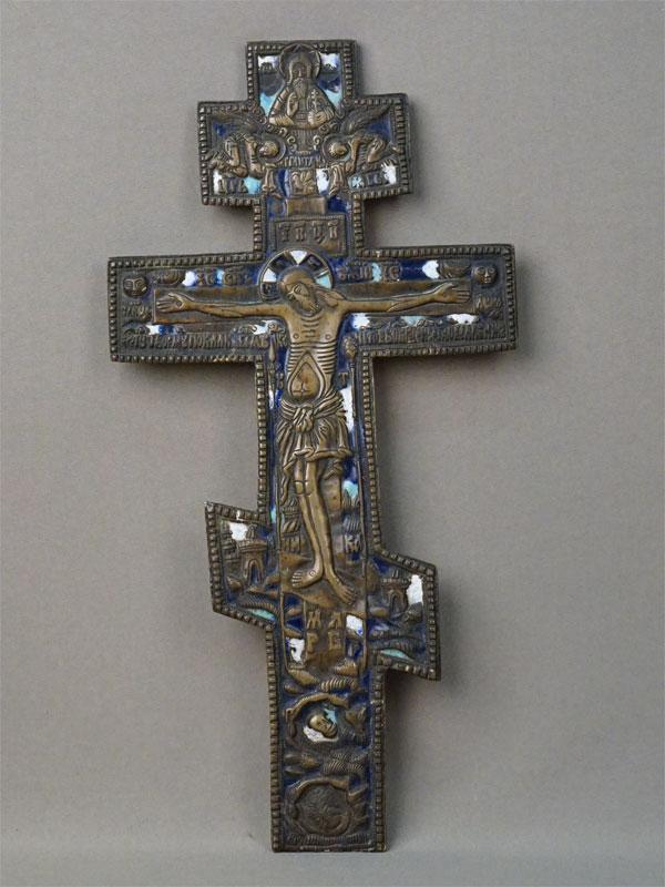 Крест «Распятие», латунь, эмаль, XIX век, 34 × 17,5см