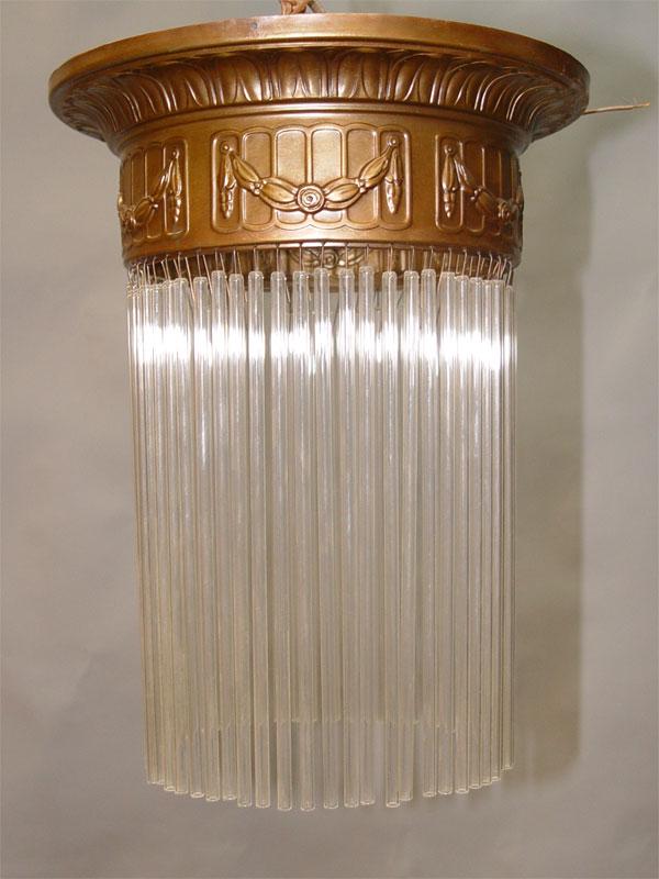 Светильник — ампель в стиле модерн, латунь, стеклянные подвески бесцветного матированного стекла, начало ХХ века, 1 световая точка (стандартный патрон Е-27), 35 × 25см