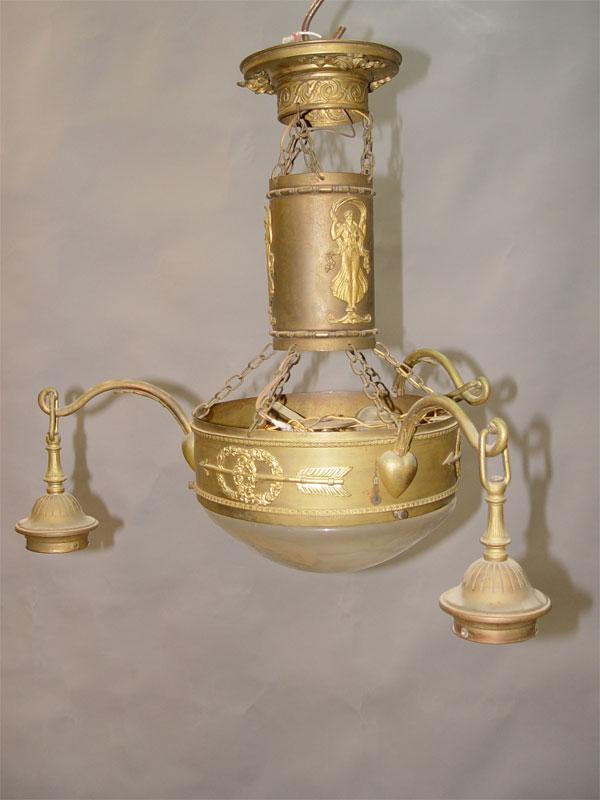 Люстра в стиле неоклассицизм «Сердца и стрелы Амура», латунь, накладная бронза, бесцветное матированное стекло, начало ХХ века, 4 световые точки (стандартный патрон Е-27), 50 × 50см