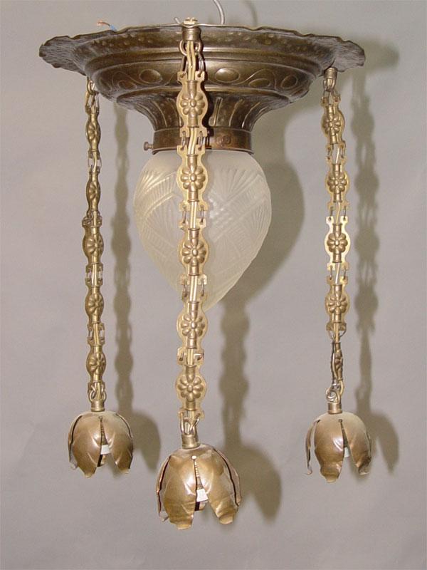 Люстра в стиле модерн, латунь, начало ХХ века, 4 световые точки (1 стандартный патрон Е-27, 3 стандартных патрона Е-14 (миньон) 38 × 27см