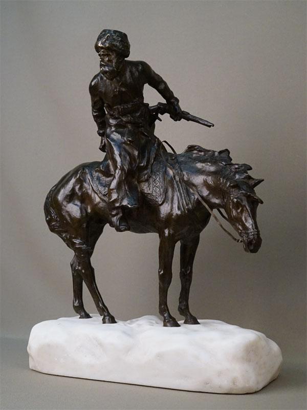 Скульптура «Казак на лошади», бронза, литье, патинирование; постамент мрамор. Франция, начало XX века, автор Rene Paris, высота 43,5см