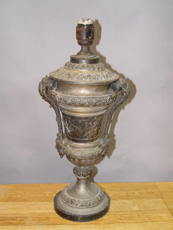 Основание настольной лампы в стиле неоренессанс, шпиатр, камень, конец XIX века, 43 × 19см