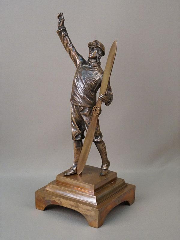 Скульптура «Авиатор», бронза. Западная Европа, начало XX века, высота 34см