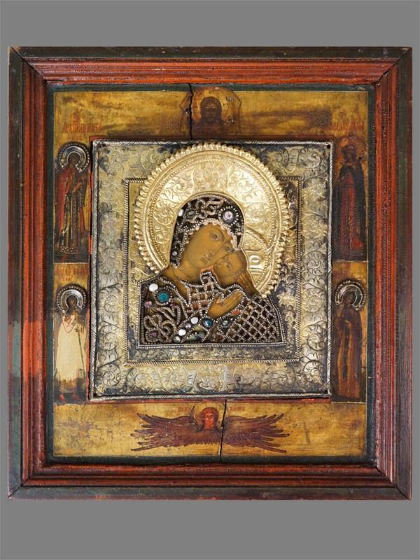 Икона «Пресвятая Богородица Корсунская с избранными святыми на полях», дерево, левкас, темпера, золочение; оклад серебро по реактиву, золочение, шитье, жемчуг, стразы. Начало XVIII века, 31,7 × 28см