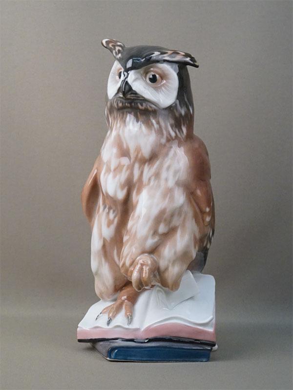 Скульптура «Сова на книгах», фарфор, роспись. Германия,  Karl Ens,  высота 28см, 1930-е годы