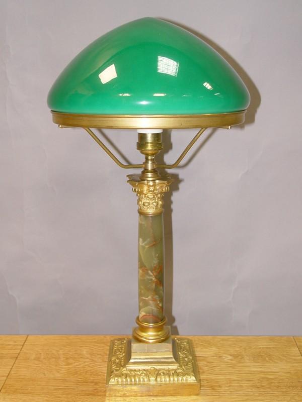 Лампа настольная «колонна», бронза, оникс, стекло, начало ХХ века 1 световая точка (стандартный патрон Е-27), 53 × 28см