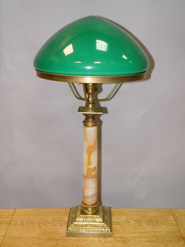Лампа настольная, оникс, бронза, стекло, начало ХХ века, 1 световая точка (стандартный патрон Е-27), 54 × 28см