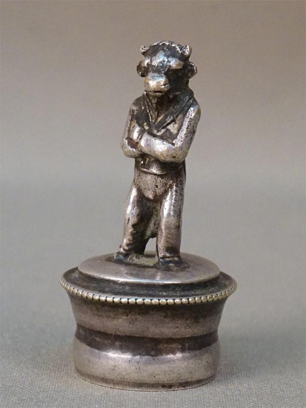 Пробка «Бык», металл, серебрение, конец XIX века, высота 6см