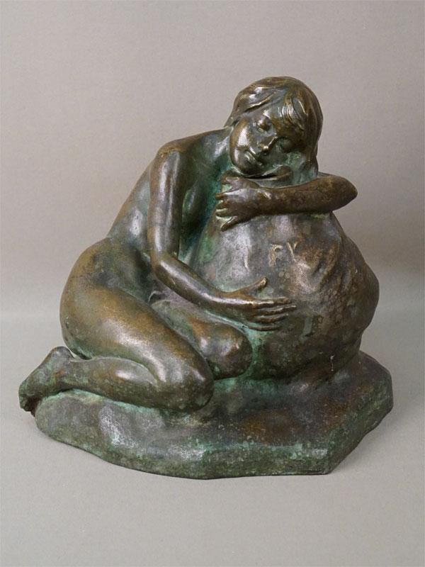 Скульптура в стиле модерн «Девушка с кувшином», бронза, литье, патинирование, начало XX века, высота 23см