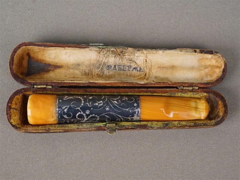 Мундштук в футляре, серебро 84 пробы, чернь, начало XX века, длина 10,3см