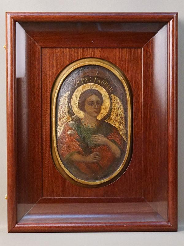 Икона в киоте «Святой Архангел Гавриил», дерево, левкас, темпера, золочение, XVIII век, 24,5 × 16см