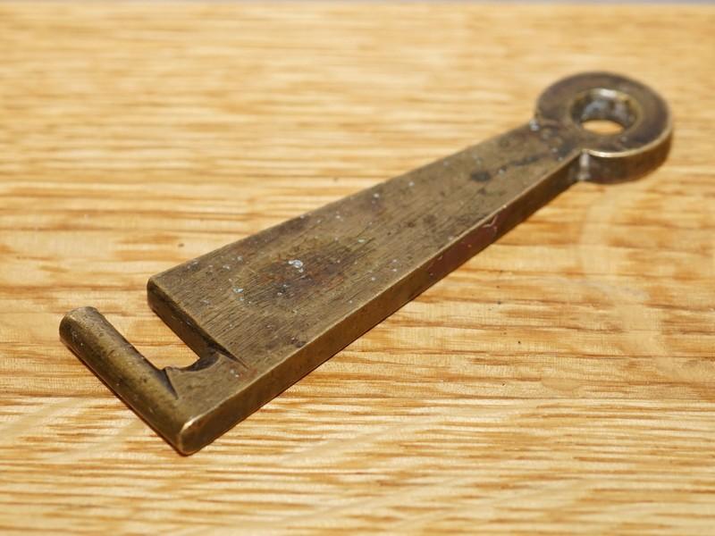Крючок латунный, конец XIX века, длина 12,5см