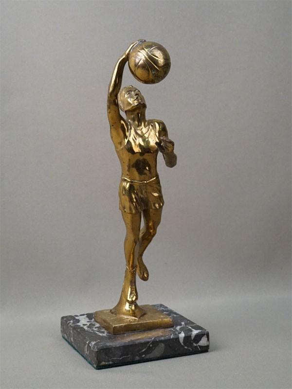 Скульптура «Баскетболист», шпиатр, высота 28см, начало XX века