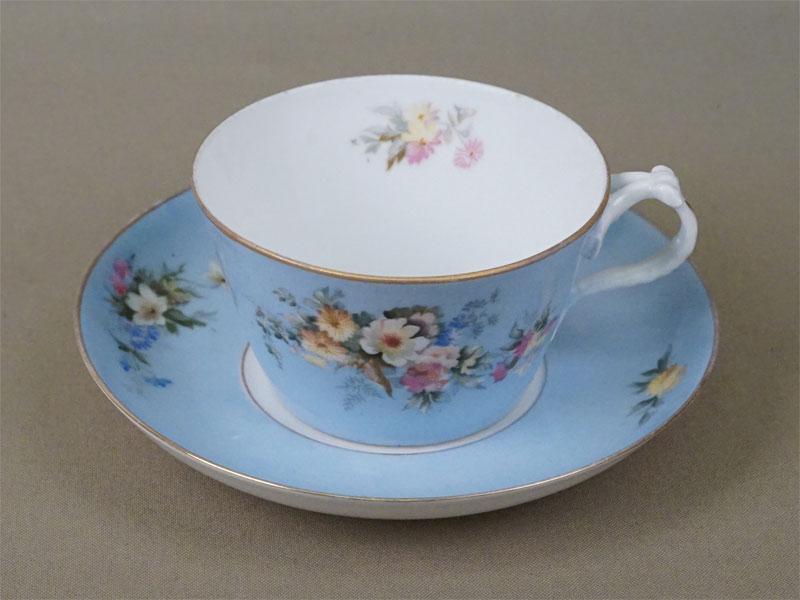 Чайная пара, фарфор, деколь с подрисовкой, золочение. Завод Гарднера, конец XIX века