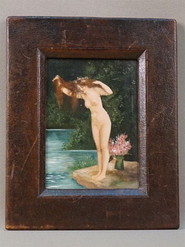 Картина в раме «Купальщица», дерево, масло, 14 × 10см. Франция, неизвестный художник, конец XIX – начало XX века