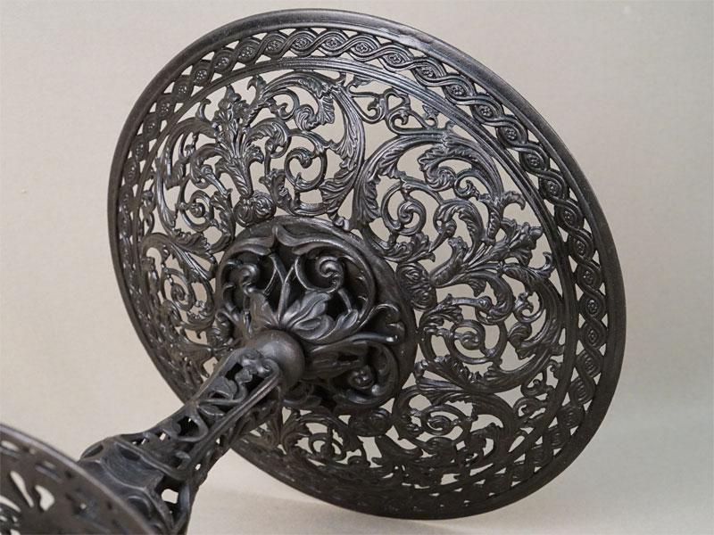 Ваза «Ажурная на ножке», чугун, литье, покраска. Касли, 1896 год, раб. Шинкеля, формовщик Тепляков, высота 21см