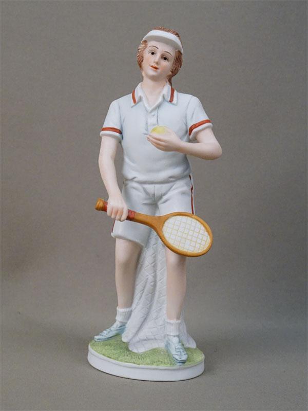 Скульптура «Теннисист», бисквит, роспись. Япония, Lefton, 1950-е годы, высота 21см