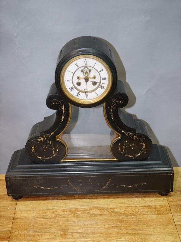 Часы каминные, мрамор, конец XIX века, Западная Европа, размер 48 × 52 × 25см (в нерабочем состоянии)