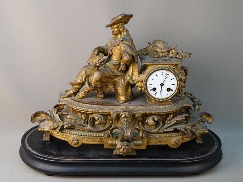 Часы каминные «Мушкетер», шпиатр, деревянная подставка, длина 57см, высота 40см (утраты)