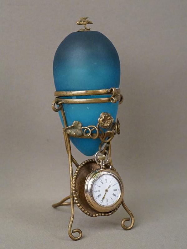 Шкатулка «Яйцо» с подчасником (латунь, стекло), карманные часы (серебро по реактиву), конец XIX века, высота шкатулки 16см