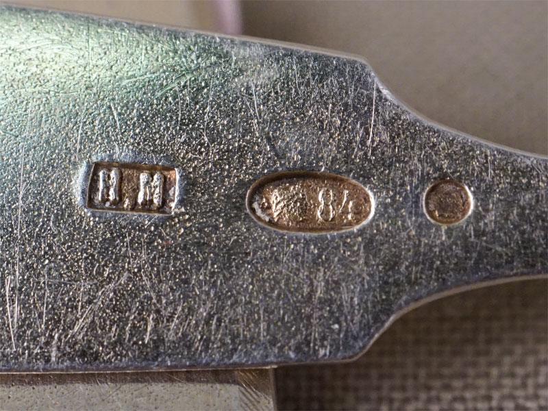 Шесть чайных ложек, серебро 84 пробы, гравировка в стиле модерн, общий вес 89,0г.