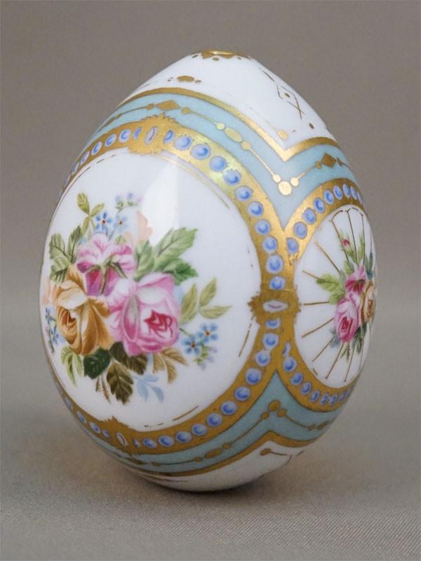 Яйцо пасхальное «Цветы», фарфор, роспись, золочение, высота 8,7см