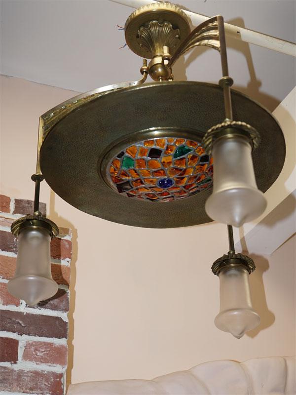 Люстра в стиле модерн, латунь, смальта, стекло, начало ХХ века, 4 световые точки, (стандартный патрон Е-27), размер — 83 × 74см