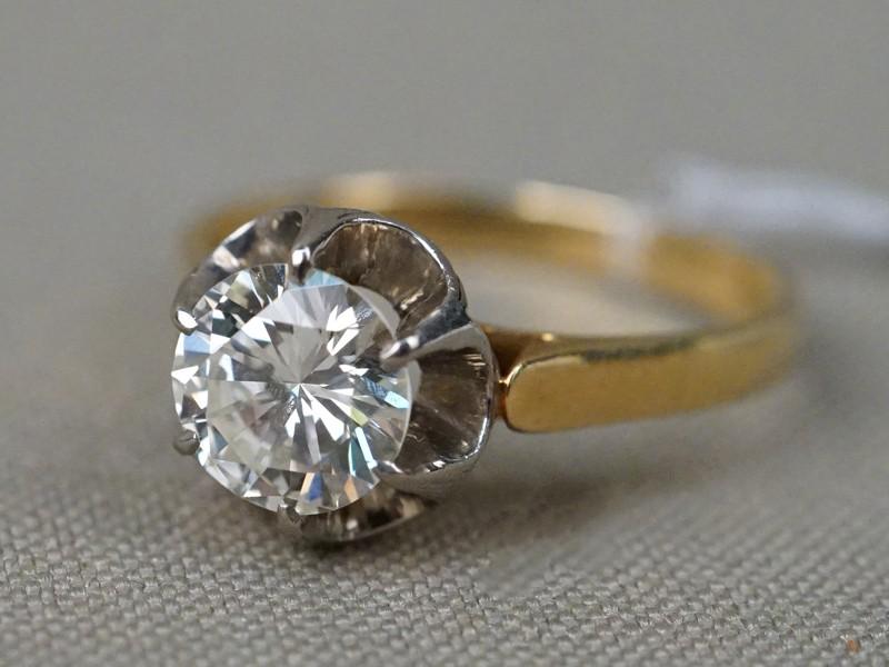 Кольцо, золото 750 пробы, 1 бриллиант (Кр57 – 1,25ct 7/7), общий вес 4,00г. Размер кольца 17,5