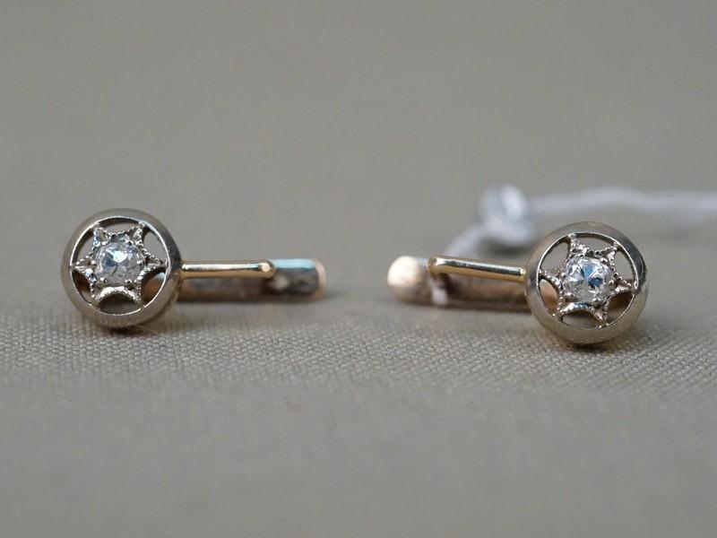 Серьги «Звезды», золото 583 пробы, вставки: бриллианты (2 бр старой огр., 0,24 4/4), общий вес 3,52г.