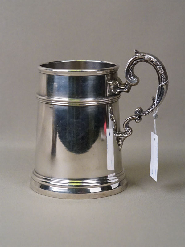 Кружка, серебро по реактиву, общий вес 390,2г., высота 11,2см