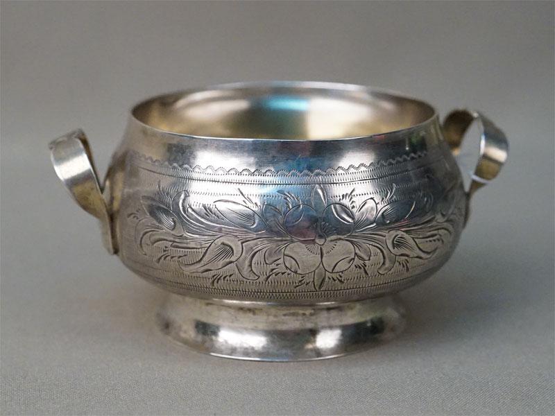 Сахарница, серебро 84 пробы, гравировка, общий вес 127,6г. Москва, 1873 год