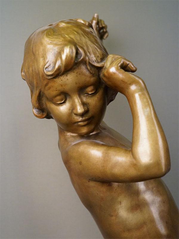 Скульптура «Девочка-купальщица», бронза, литье, патинирование, начало XX века, высота 101см