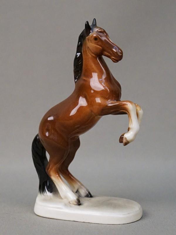 Скульптура «Лошадь», фарфор, роспись, высота 12,5см. Германия, середина XX века