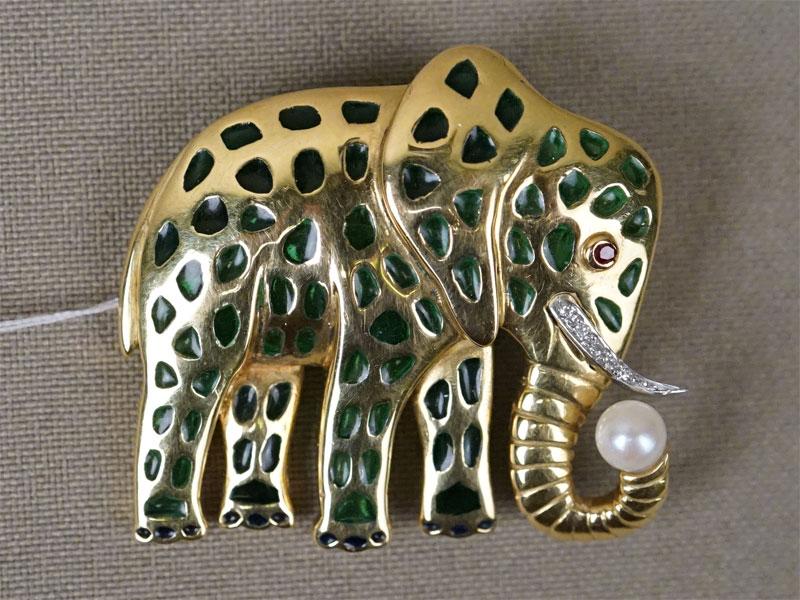 Брошь «Слон», золото по реактиву, эмаль, общий вес 14,64г.