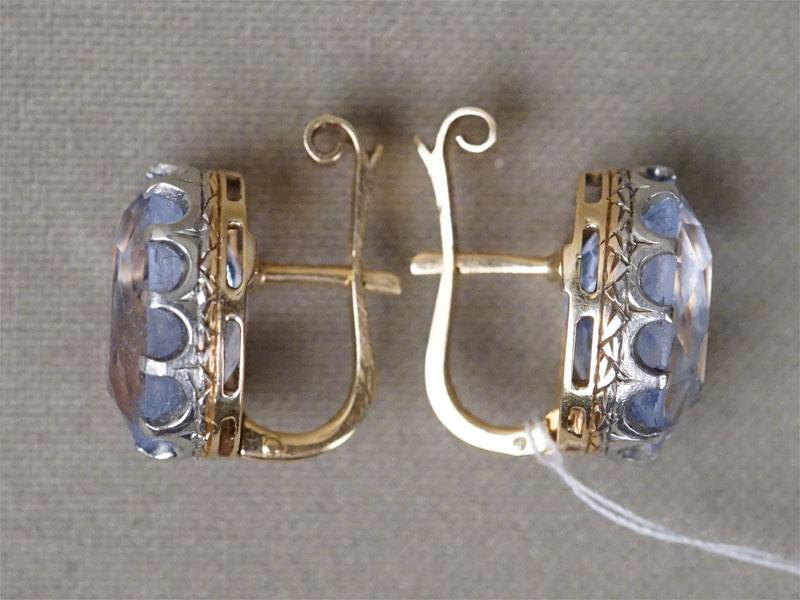 Серьги, золото по реактиву, выращенная шпинель, общий вес 9,16г.