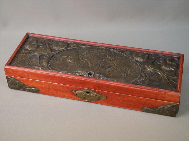 Шкатулка в русском стиле, дерево, накладная латунь, чеканка, начало XX века, 40 × 14 × 8см