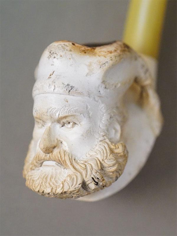 Трубка курительная «Турок», пенка, резьба, пластиковый мундштук, длина 15см, конец XIX — начало XX века